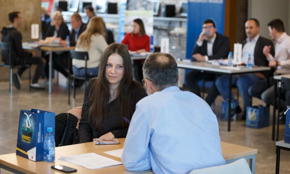 Delovni mentorji in študentje UL FGG so se na fakulteti srečali že drugič