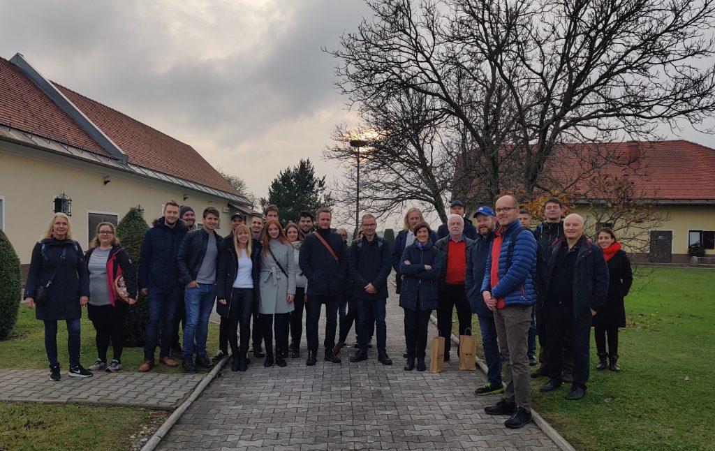 Skupaj z gosti z Norveške in študenti magistrskega študija Geodezija in geoinformatika smo obiskali Občino Hajdino.