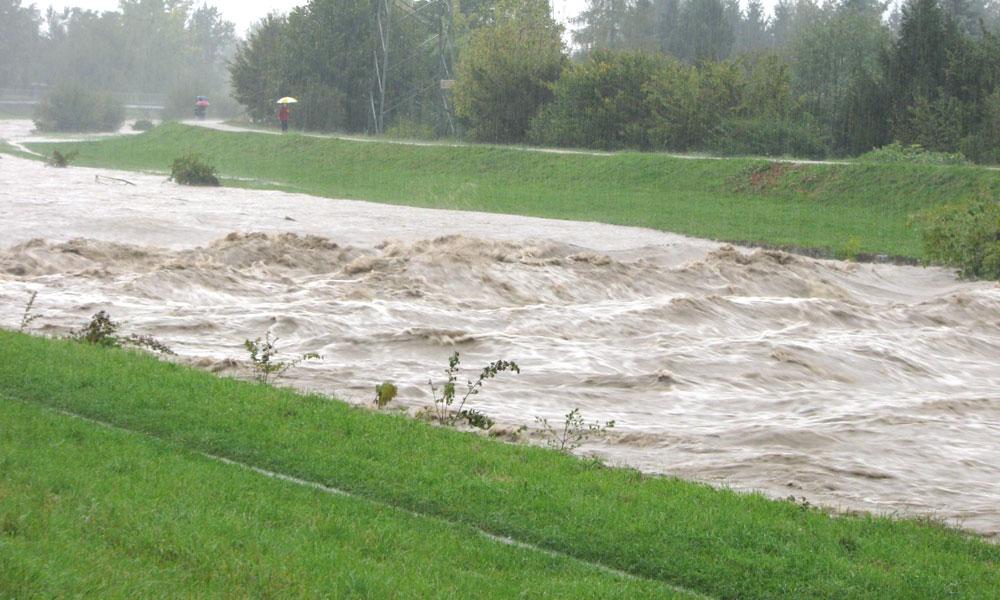 Pravočasna in zanesljiva hidrološka napoved lahko rešuje človeška življenja