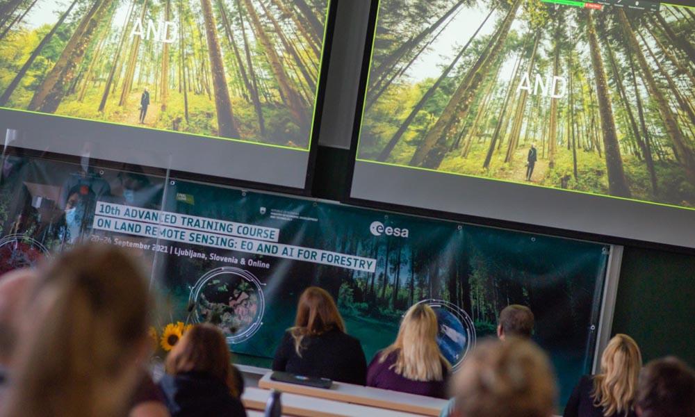 Intenzivni izobraževalni tečaj Evropske vesoljske agencije v Ljubljani
